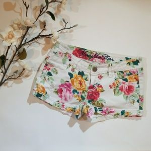 Vanilla Star Floral Distressed Jean Shorts Size 5